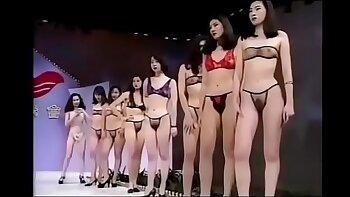 Horny lingerie model Lynn Kristen throats on sticky dick
