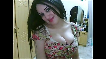 Fucking cute Arab Girl in Restaurant Room