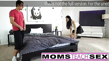 Sexy mom enjoys her teen son