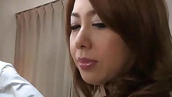 Beautiful Japanese chick blows a big fat dick in the truck