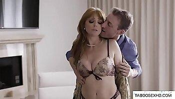 Cheating husband fucks wife bare bottom and gets cum munch