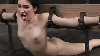 Unusual sex poses and distinct orgasm are not roundabout welcome for Aria Alexander